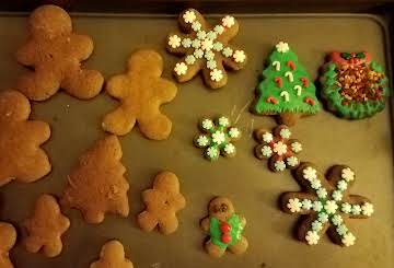 Reduced Sugar, Reduced Fat Gingerbread Cookies