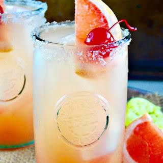 Refreshing Paloma Cocktail.