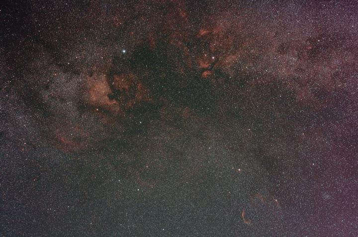 Cygnus%20Nebs%2050mm%2024x240s%20ISO800%20f4%20unguided%20QS%20HLVG.jpg