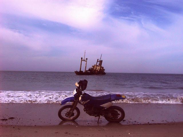 Vos plus belles photos de motos - Page 4 070208SenegalE01