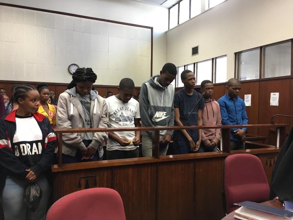DUT-studente, SR-president in die hof oor beweerde poging om die lug in te stel - SowetanLIVE