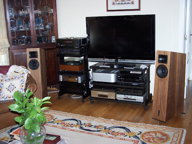 Sistema audio quasi-vintage... com algumas pontas novas  101_5663