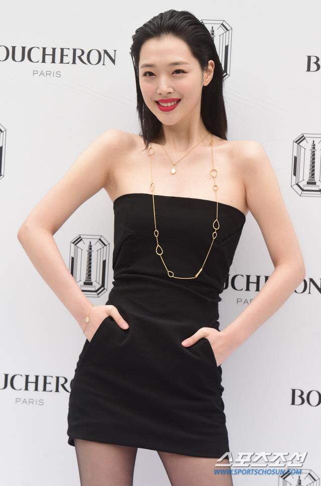 sulli black mini dress 3