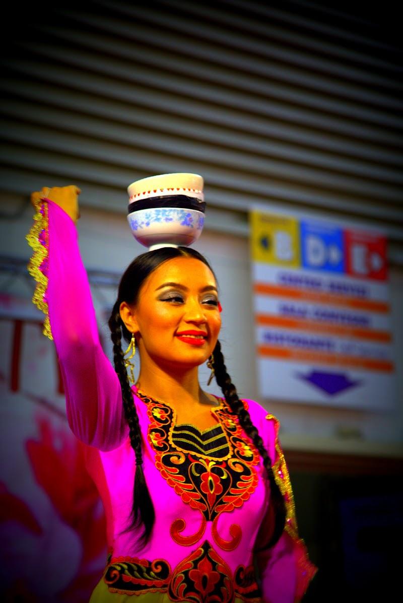 Danza cinese (con tazza) di Dama