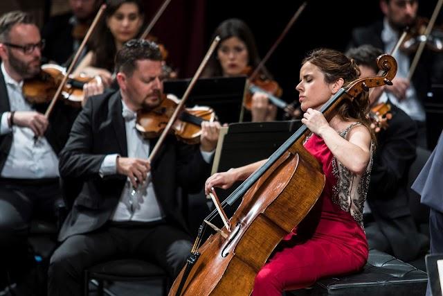 La chelista Paloma Oliver actuó como solista.