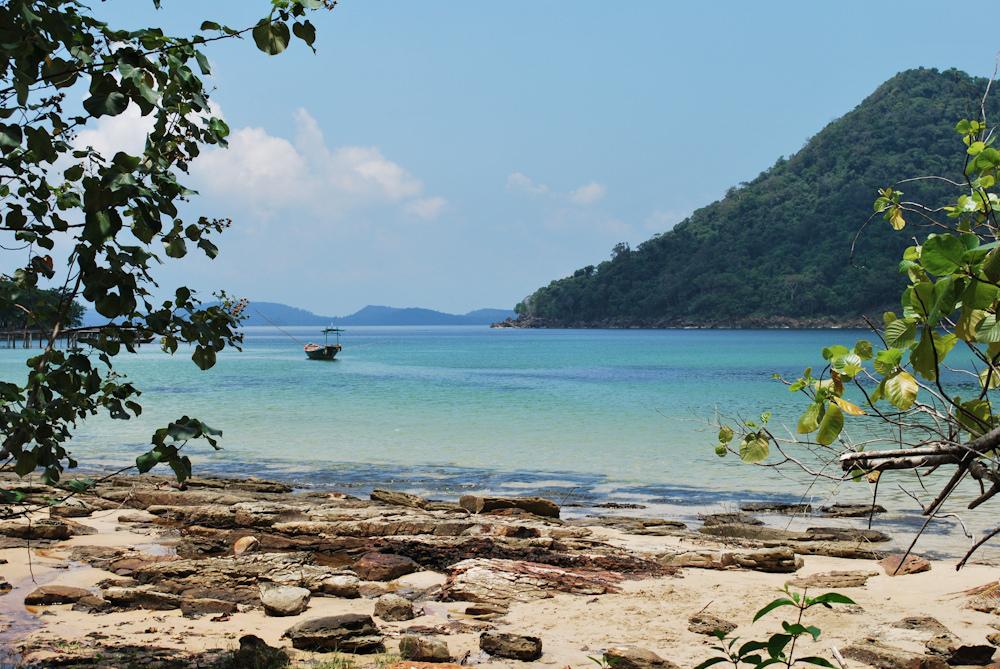 Bạn có biết Koh Rong Samloem - Thiên đường biển đẹp xinh của Campuchia? - ảnh 4
