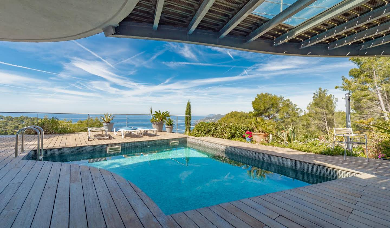 Villa avec piscine et terrasse Carqueiranne