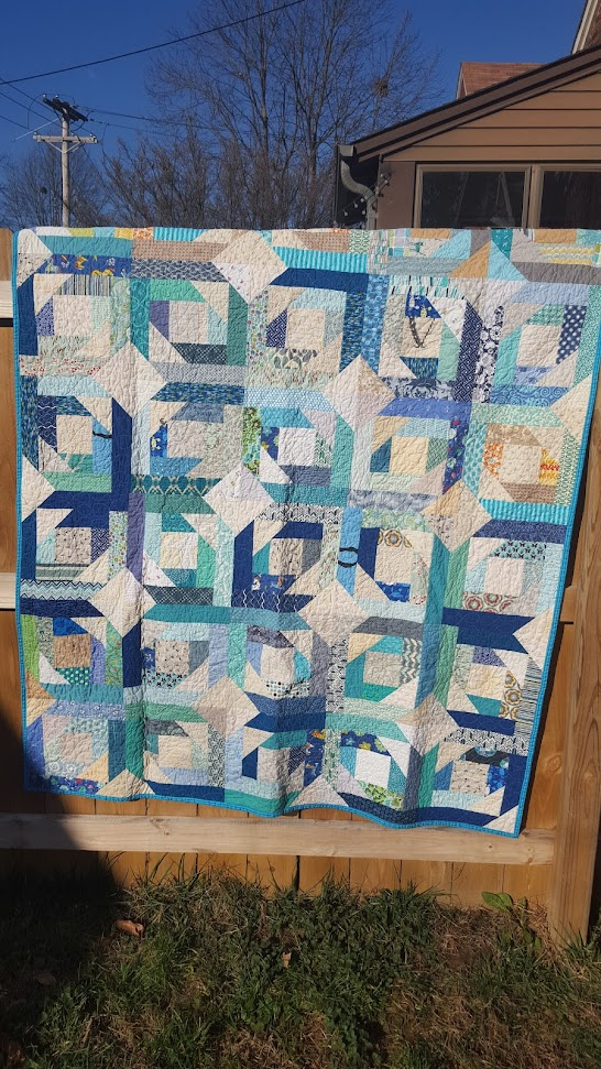 http://sewhungry.blogspot.com/2017/08/diver-pinapples-finished-bee-quilt.html