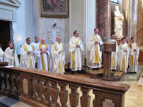 Photo: Kein Priestermangel...