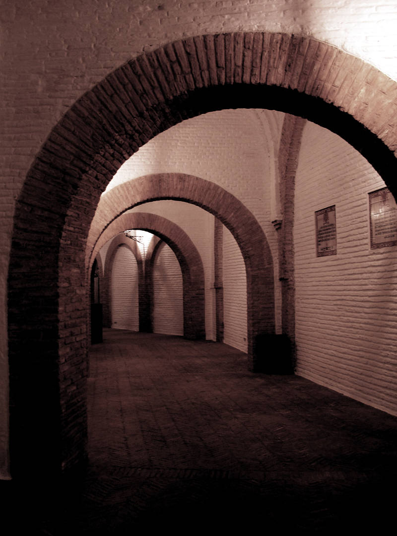 bullring arches; click for previous post