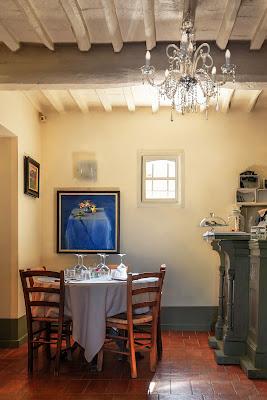 Il tavolo blu di nadia-ciube-borghi