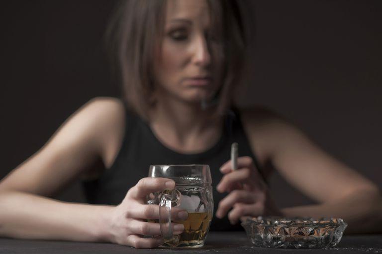 C:\Users\anin\Downloads\drunk_woman-569fe6e43df78cafda9f008f-min.jpg