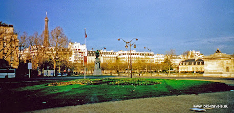 Photo: 2002-11-23. Parijs. Esplanade des Invalides.  www.loki-travels.eu