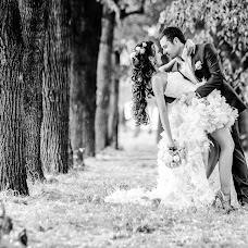 Wedding photographer Vladimir Zhuravlev (Zhuravl07). Photo of 13.09.2015