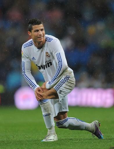 cristiano ronaldo hair 2011. Cristiano Ronaldo new haircut