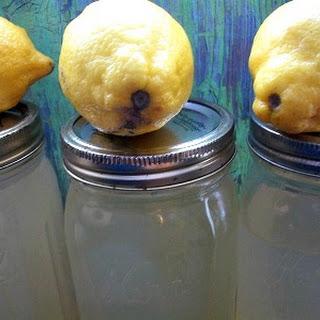 Crock-Pot Lemonade Moonshine.