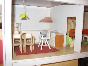 Photo: 8 b. Outin keittiö