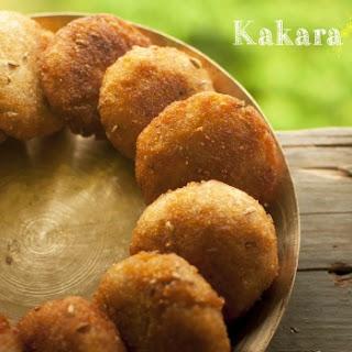 """""""Kakara"""" / Fried stuffed dumplings"""
