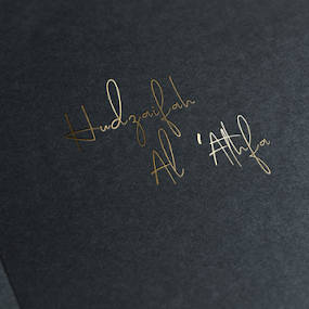 GOLDIE FONT by Muhammad Fadhil - Typography Single Letters ( signature logo, mock up, signature, gold font, gold logo, font )