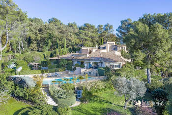 Villa 8 pièces 380 m2