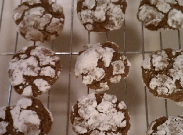 Preheat oven to 350.  Shape chilled dough into 1 inch balls.  Roll...