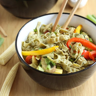 THAI GREEN CURRY NOODLE SOUP WITH EDAMAME AND MUNG BEAN FETTUCCINE
