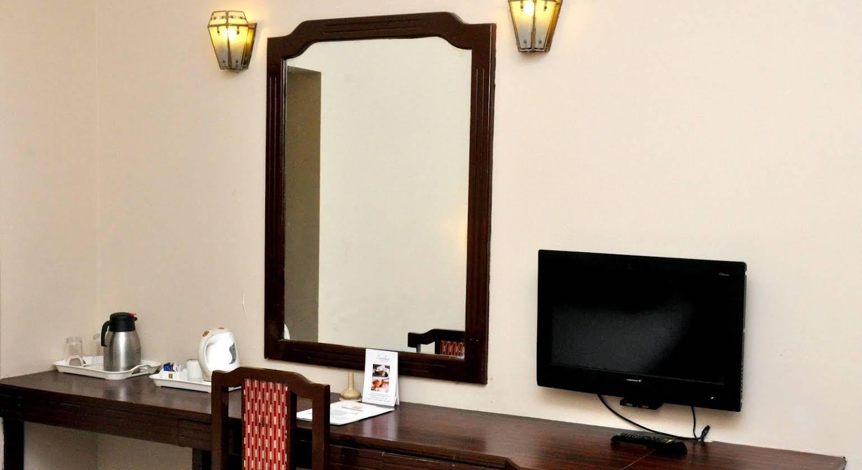Hotel Vishnu Priya