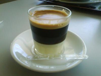 Café con leche condensada (y unas gotas de anis)