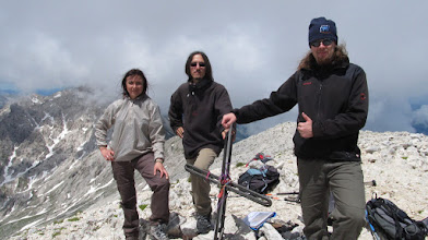 Photo: In vetta al Monte Camicia, 2564 mt