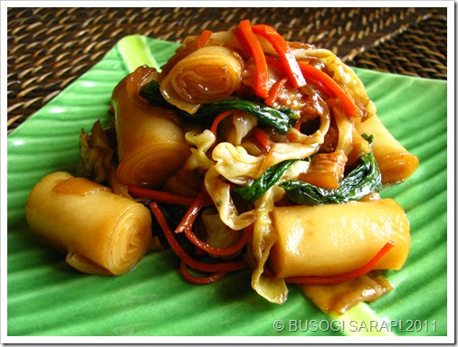 STIR FRIED ROLLED RICE NOODLES (Stir Fried Chee Cheong Fun)