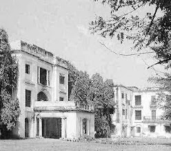 Photo: Queen Mary's college - 1914 -Capper House at Marina opens its doors to 37 women students to become the first college for women in the city. From 1917 onwards this college has been known as the Queen Mary's College.
