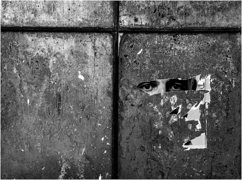 Lo sguardo ...strappato! di Pietro Forti