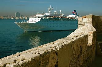 Photo: ship comes in. havana. Tracey Eaton photo