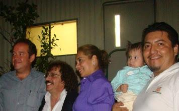 Photo: Aquí nos colamos en la foto del presi y su esposa con Tony