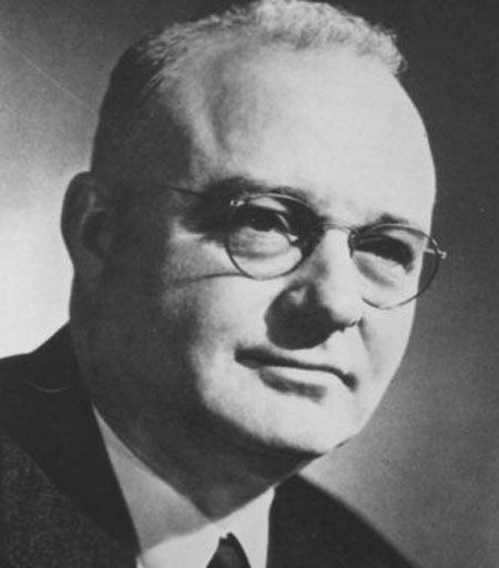 thomas midgley jr essay Doctor thomas midgley jr (may 18, 1889 – november 2, 1944) was an american mechanical engineer and chemist he was a key figure in a team of chemists, led by.