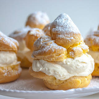 Italian Creme Puffs Filled with Ricotta Cream.