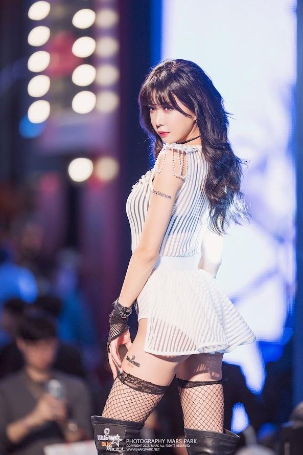 Heo Yun Mi tại G-STAR Game Show 2015