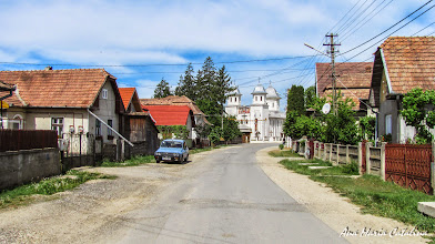 "Photo: Mihai Viteazu, comuna in judetul Cluj Str. Ortodoxa Biserica Ortodoxa ""Adormirea Maicii Domnului"" si  ""Sfintii Arhangheli Mihail si Gavril"" (2013.05.10)"