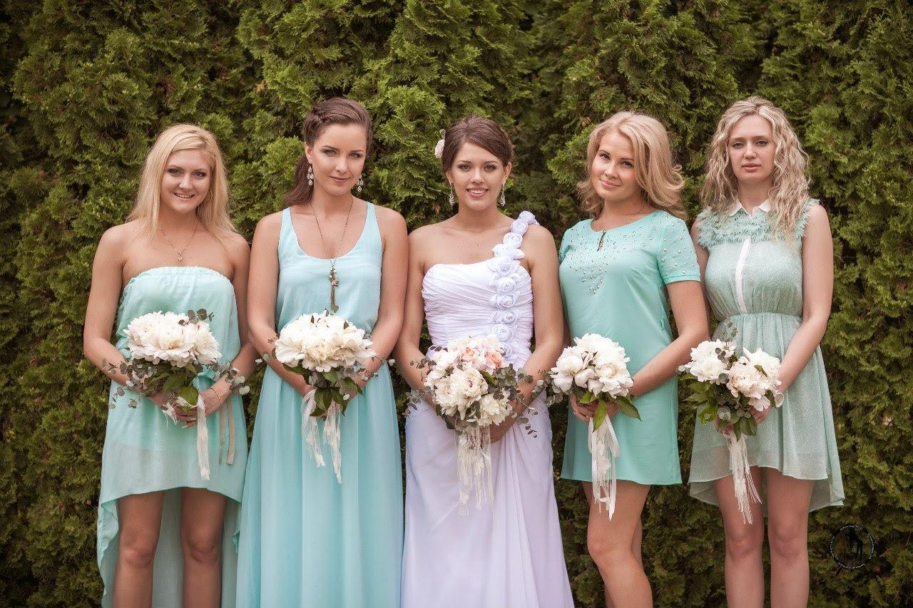 Прически на свадьбу подружке невесты фото