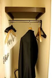 Lắp ráp xà đơn trong tủ quần áo