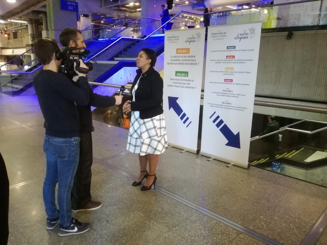 Interview de Mme Hélène Geoffroy, Secrétaire d'État à la Politique de la Ville