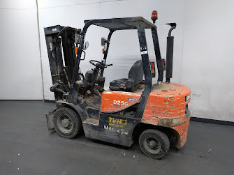 Picture of a DOOSAN D25G