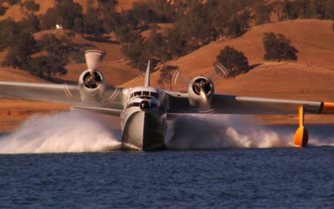 HU-16 Albatross Amphibious Aircraft Wallpaper 4