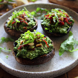 Grilled Mushrooms With Spinach Kale Pesto [Vegan]