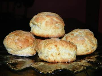 Southern Homemade Buttermilk Biscuits