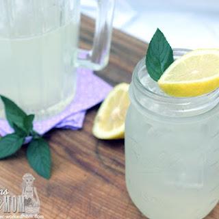 How to Make Lemonade with Stevia