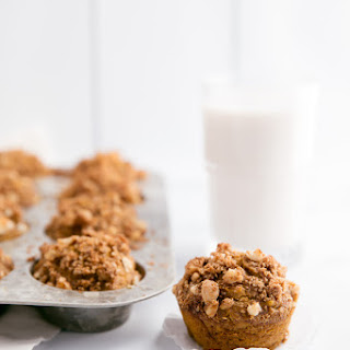 Healthy Pumpkin Banana Muffins with Macadamia Nut Crunch