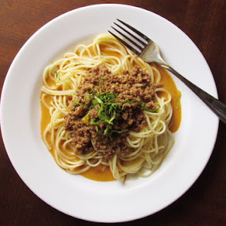 Spaghetti with Thai Red Curry Meat Sauce