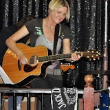 Sean Wiggins Photo Gallery - 2009 - Amazing Female Rock Singer Songwriter
