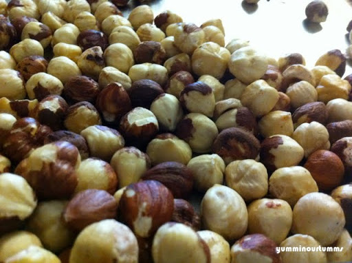 Whole-hazelnuts with skin